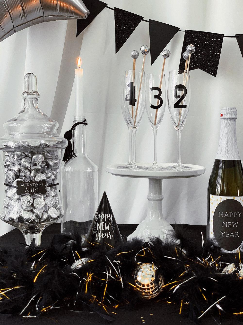 New Years Eve Drink Table-SugarPartiesLA.jpg