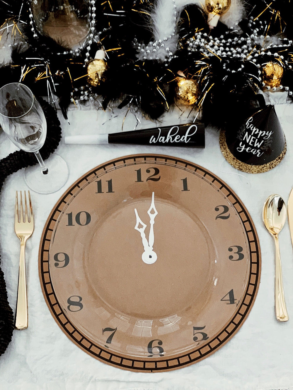 New Years Eve Tablescape-New Years Eve Dinner Party-SugarPartiesLA.jpg