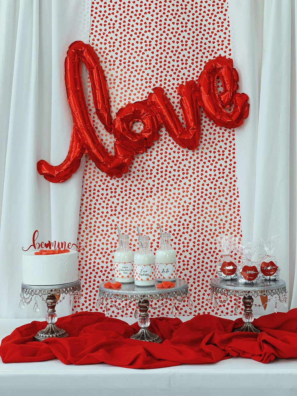 Valentine Decor-Love Balloon-Valentine Party Ideas-www.SugarPartiesLA.com.jpeg