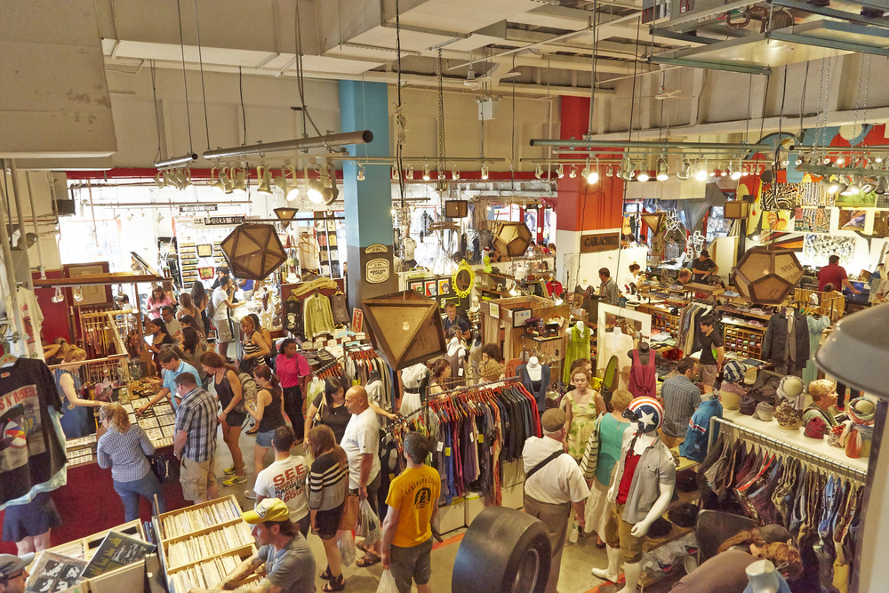 Artists & Fleas Market