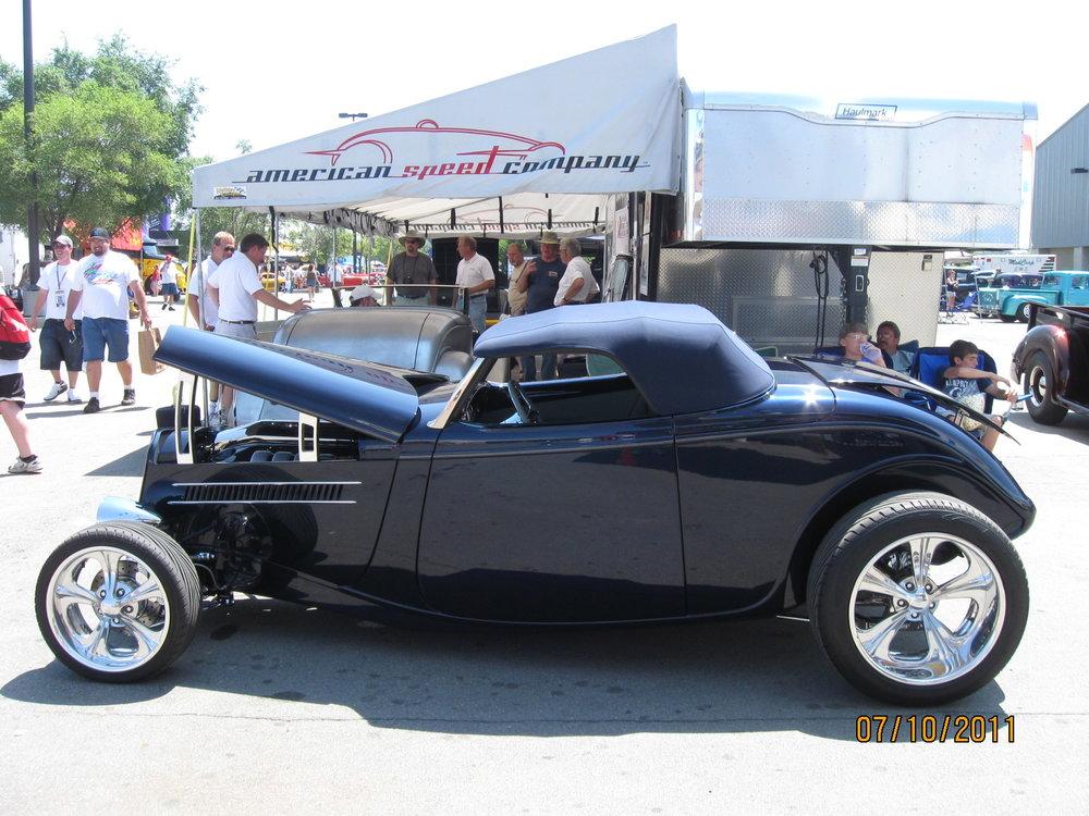 1933 Ford 275.JPG