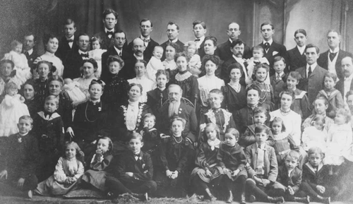Brigham Young's family. Link to an overview of Mormon polygamy.