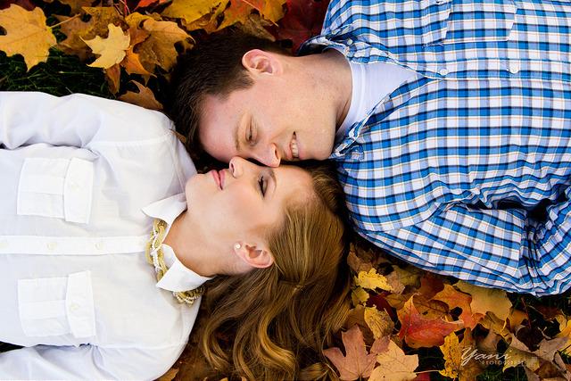 fall engagement photo shoot