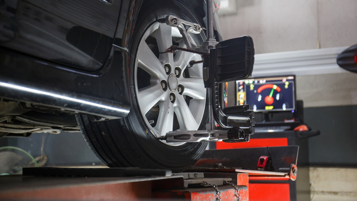 8 Reasons Why Car Wheel Alignment & Brake Inspection Are