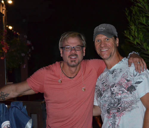 jd - phil vassar backstage during phil-s performance.jpg