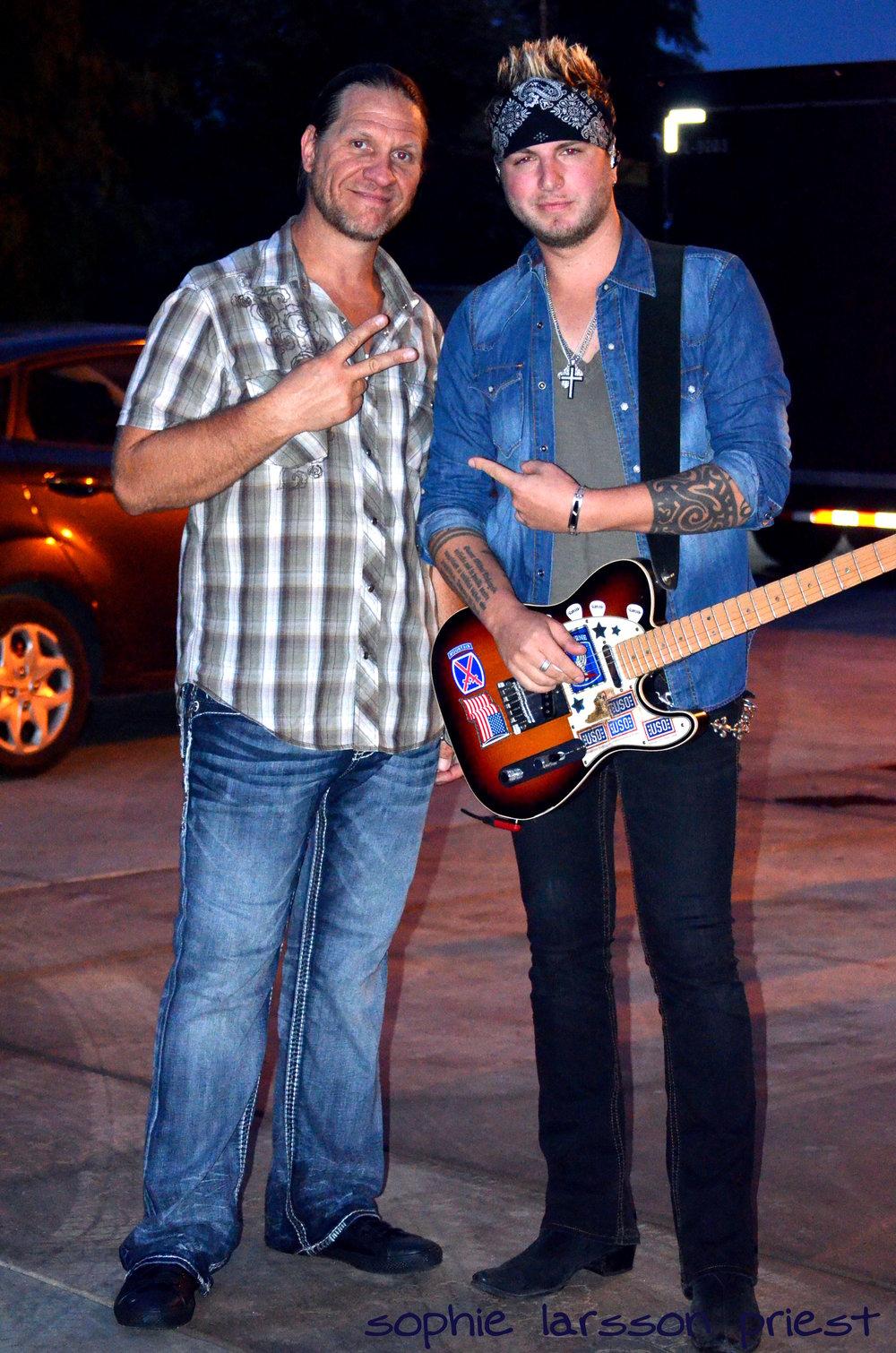 JD & GLoriana Guitarist Mike Gossin.JPG