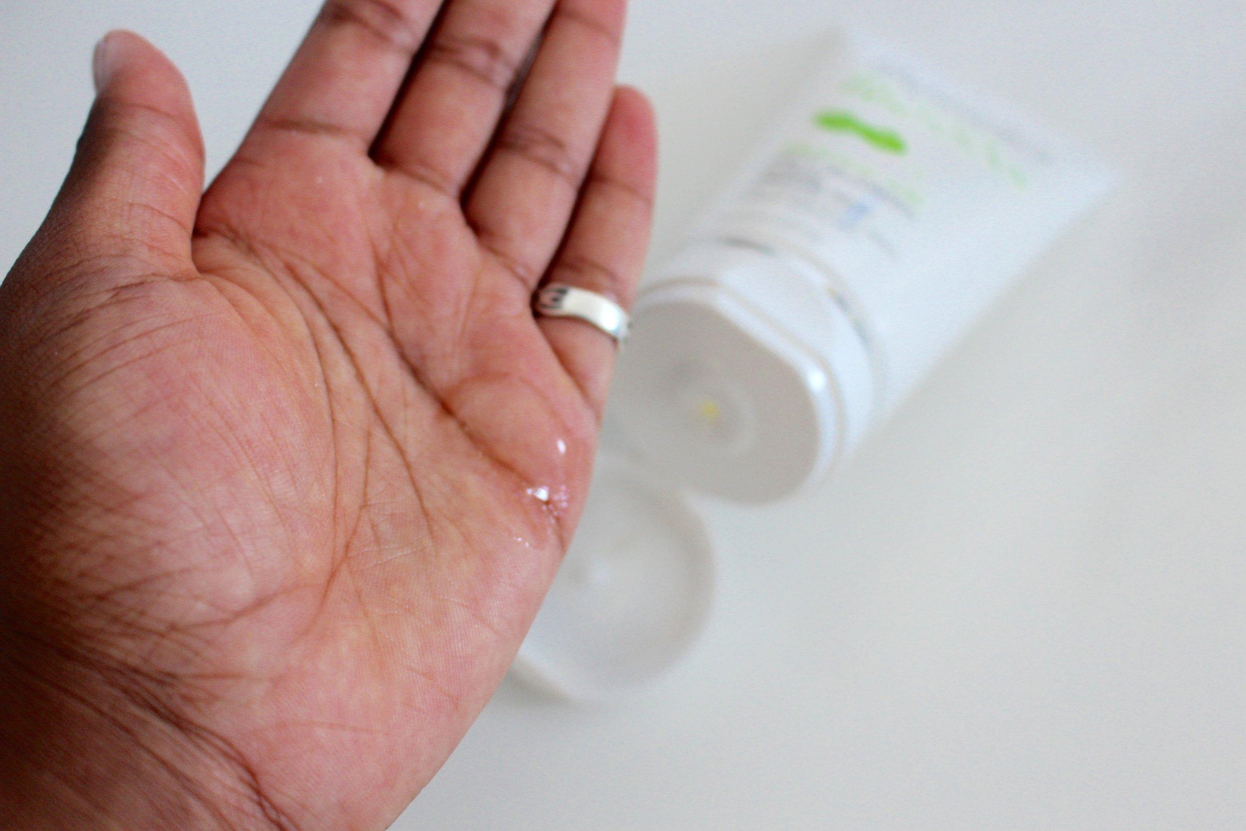 Super Facialist Salicylic Acid Purifying Cleansing Wash