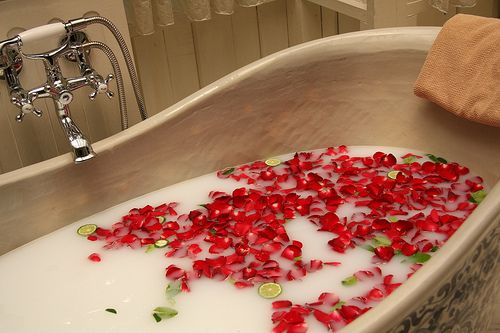 rose petal bath relax