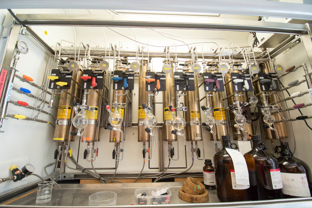 Solvent system with nine different degassed dry solvents