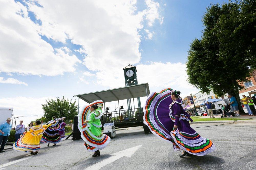 Mexican Dancers_Spring Daze-8.jpg
