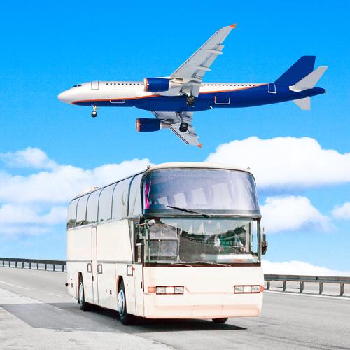 avión o autobús