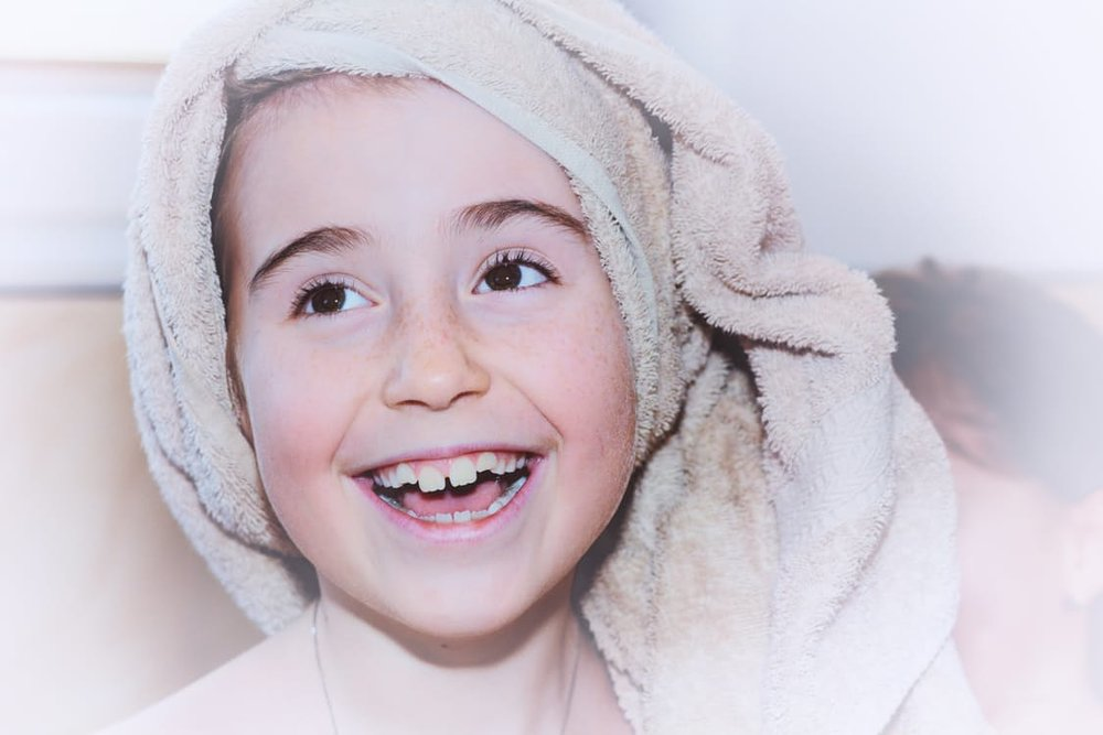 child-girl-face-towel-37924.jpg