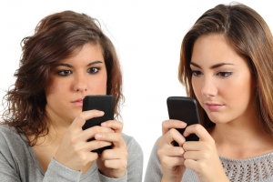 Hypnosis helps eliminate texting and cell phone compulsion and addiction.