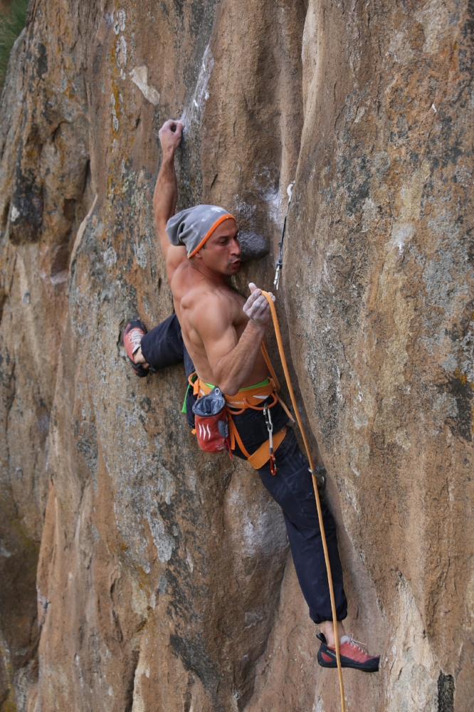 Rock Climbing | Photo by Vincenzo Di Giorgi ( unsplash.com )