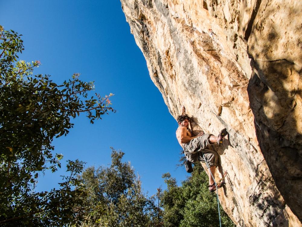 Climbing | Photo by  YNS PLT ( pixabay.com )