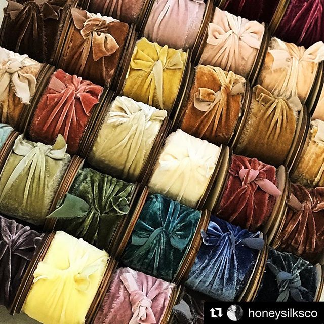 I don't know about you all, but I am needing some inspiration for this cold January morning. Thank you @honeysilksco for it! • I have always had a love affair with ribbon...it can be used in so many ways to add that little extra special touch.  Make it velvet and I'm never letting go. 😍😍😍