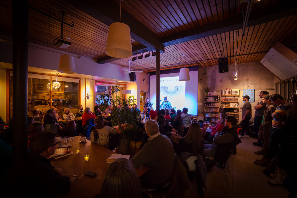 Baked Café at capacity on a Monday night in Whitehorse : we can call it a successful event! Photo: Alex Jegier.