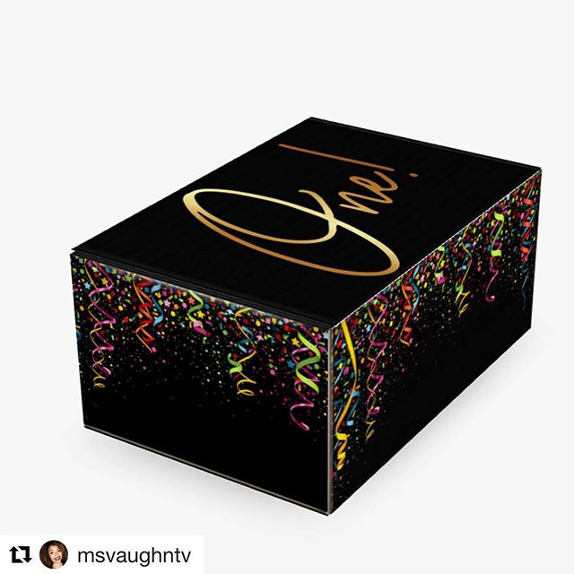 #Repost @msvaughntv ・・・ Only a few days left to get my special edition one-year anniversary box. I'm featuring all the best products I've tried in 2018! Sign-up now on my site and get your goodies shipped in November, guaranteed before Christmas. 😘 (link in bio)