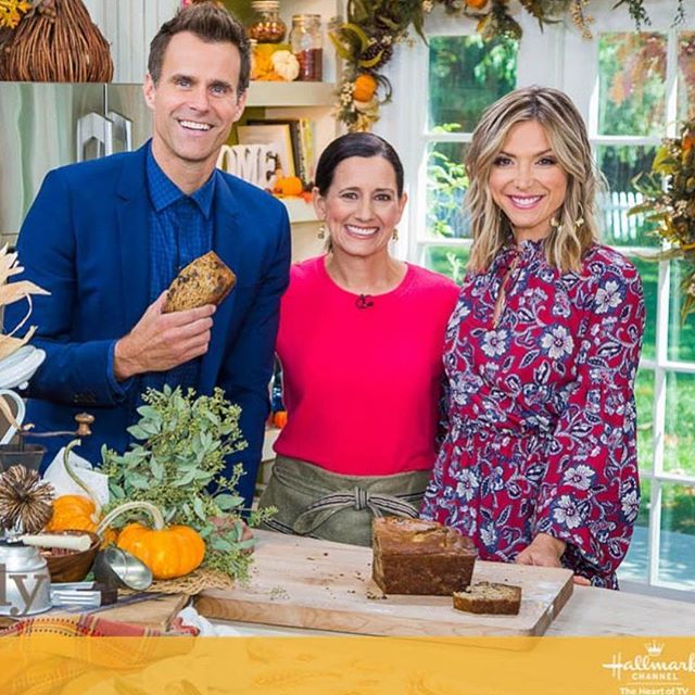 Check out one of our influencers @entertainingwithbeth on the @hallmarkchannel today at 10am! 🙌🏼👏🏼😍 GO BETH!!!