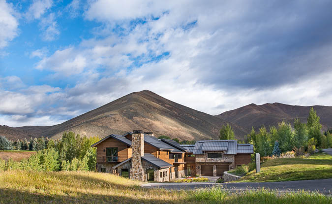 This home in Sun Valley, Idaho is a pure retreat for its owners, whose third date was in the mountain town more than 20 years ago. My story is in  Mountain Living