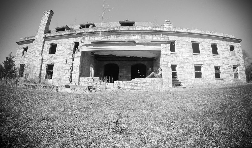 Lisa Mansion Front BW.jpg
