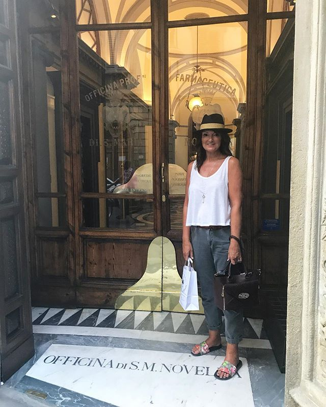 No trip to Florence is complete without a visit to Officina Profumo -Santa Maria Novella , check out my insta stories for a peek inside. #stylecollective #scsister #florence #mulberry  #styleblogger #fblogger #stylediaries #styleover50 #fashionover50 #over50blogger #fashionblogger #personalstylist #ootd #personalshopper #closetorganiser #wiw #stylehasnoage #mystyle #personalstyle #style #fashion #ageisnotavariable #over40blogger #fashiondiaries #styleinspo #outfitinspo #mylook