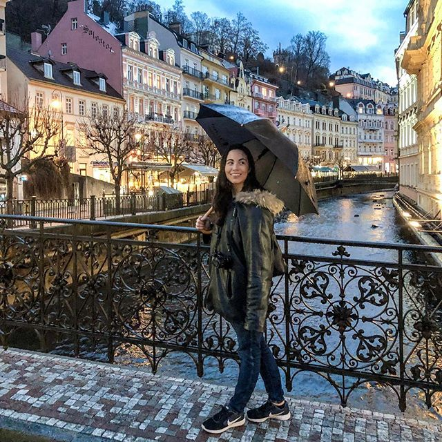 Back in Czech Republic 🇨🇿 exploring the hot spring / spa city of Karlovy Vary with @bohotravels_com 🧖🏻‍♀️ #czechrepublic . 📷: @jessicasafko