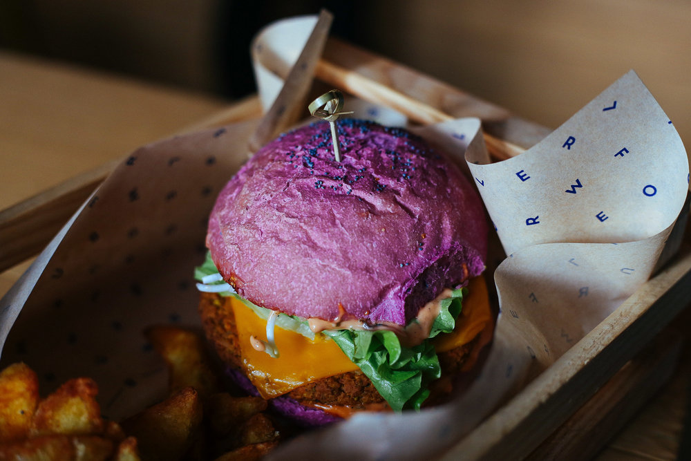 Flower-Burger-Milan-Omnom-Mag