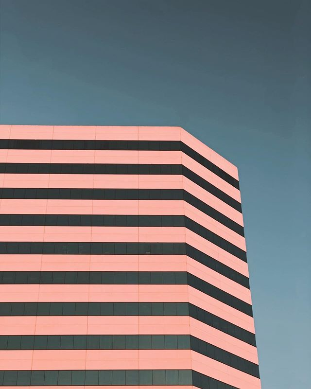 California sky. . . #colors #building #city #phtography #colors #losangeles #geometric #pattern #california #sunset #sky #moment