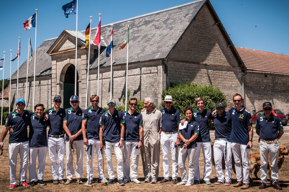 L'équipe des enseignants et joueurs professionnels du Polo Club du Domaine de Chantilly Teachers and pro players team of Chatilly Polo Club