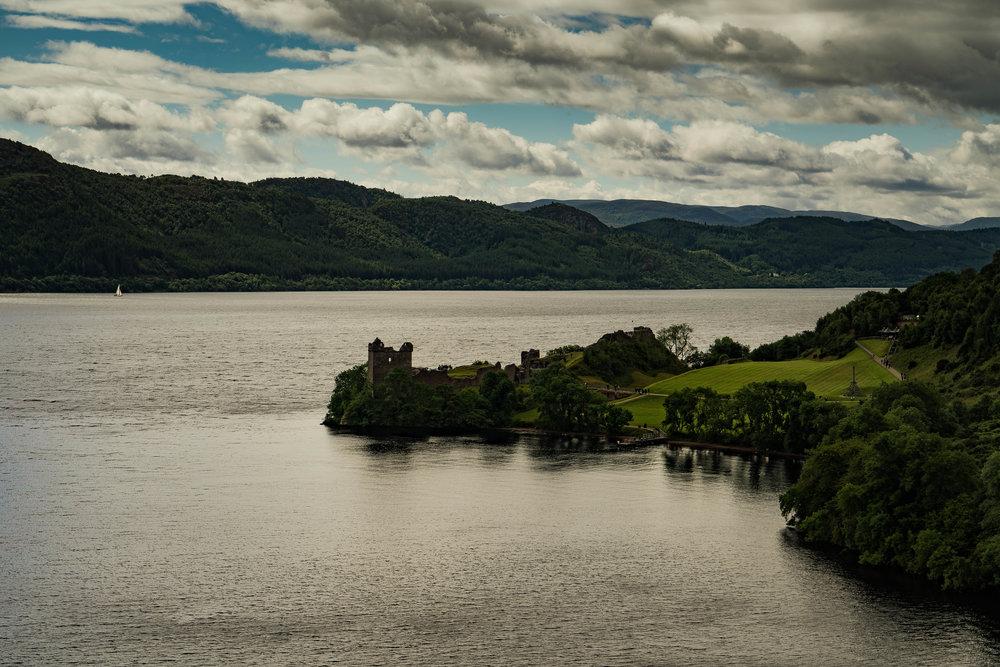57°19'52.56N  004°26'25.55W, Urquhart Castle, Loch Ness.jpg