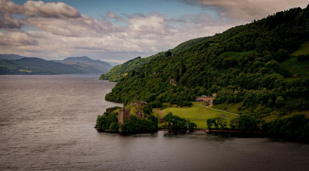 57°19'53.58N   004°26'0.32W, Urquhart Castle, Loch Ness.jpg