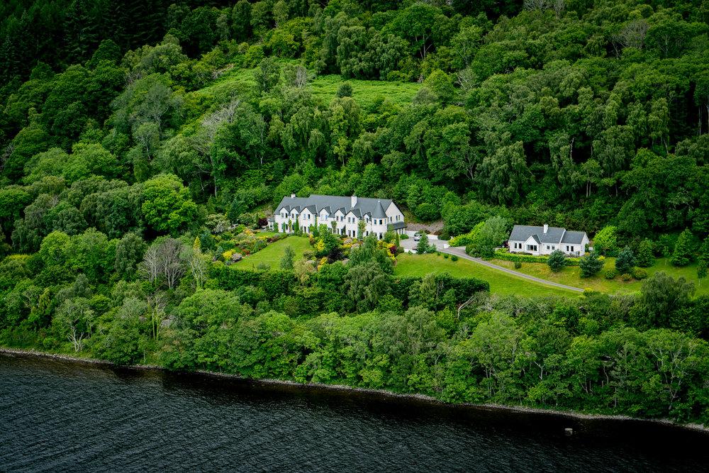 57°21'41.44N 004°23'30.97W, The Loch Ness Lodge.jpg