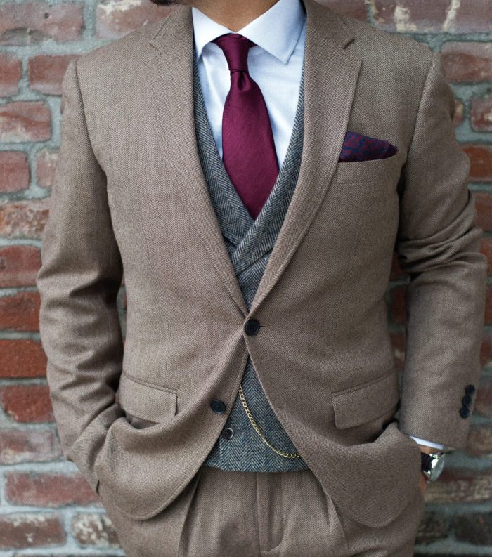 Vest : Suit Supply               Tie & Pocket Square : The Tie Bar
