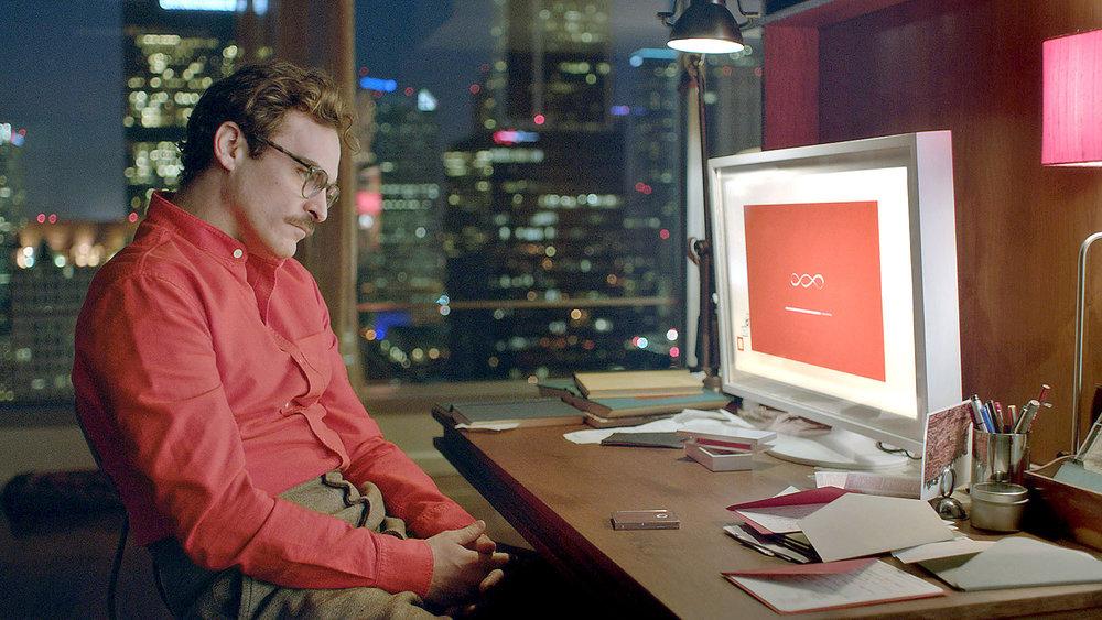 her-joaquin-phoenix-with-computer.jpg
