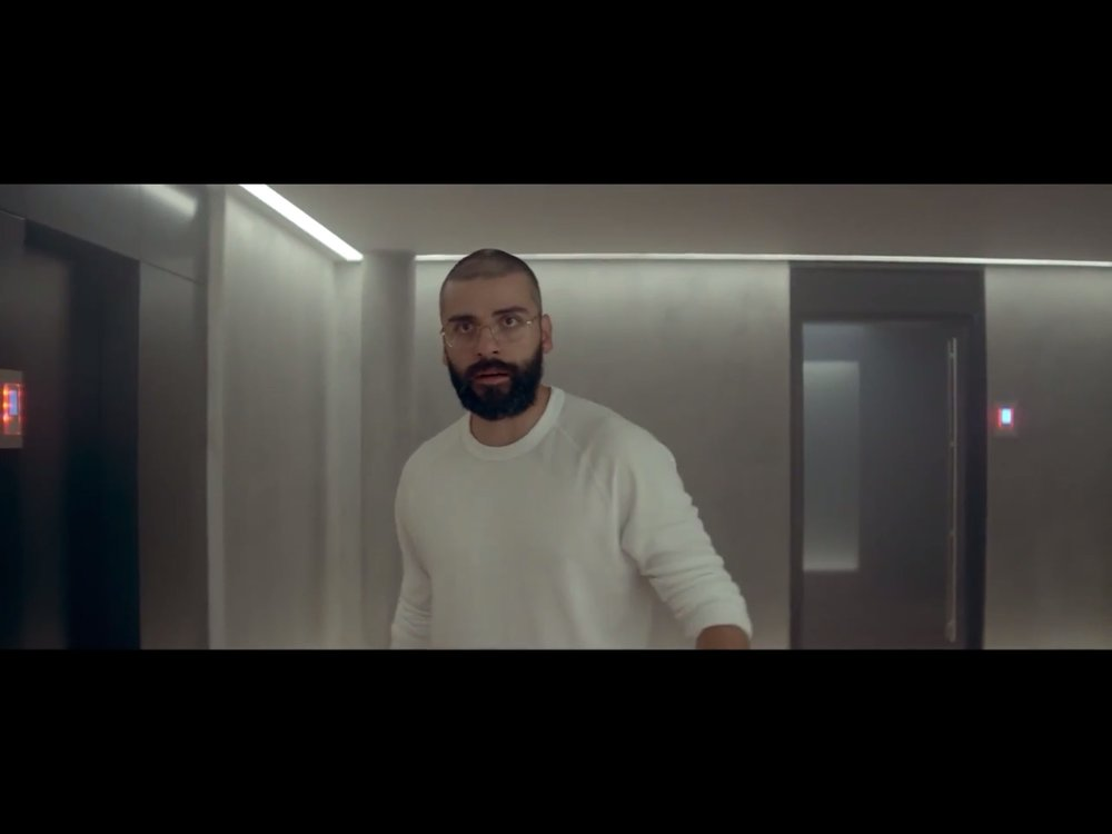 ex-machina-movie-screenshot-36.JPG