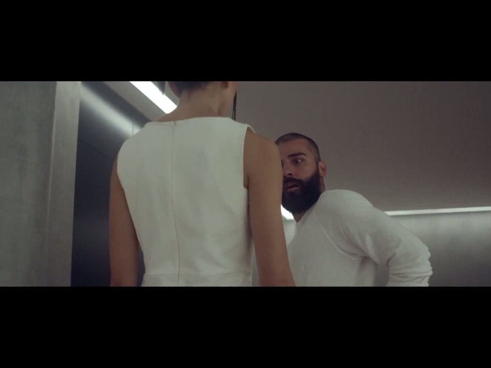 ex-machina-movie-screenshot-39.JPG