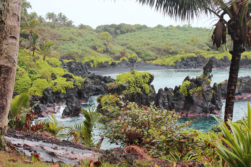 A view of the Black Sand Beach in Waianapanapa State Park.