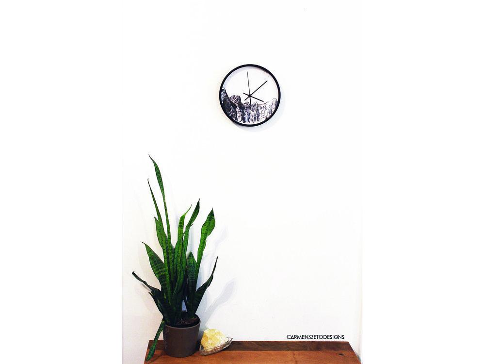 Clock_1 (2000x1500).jpg