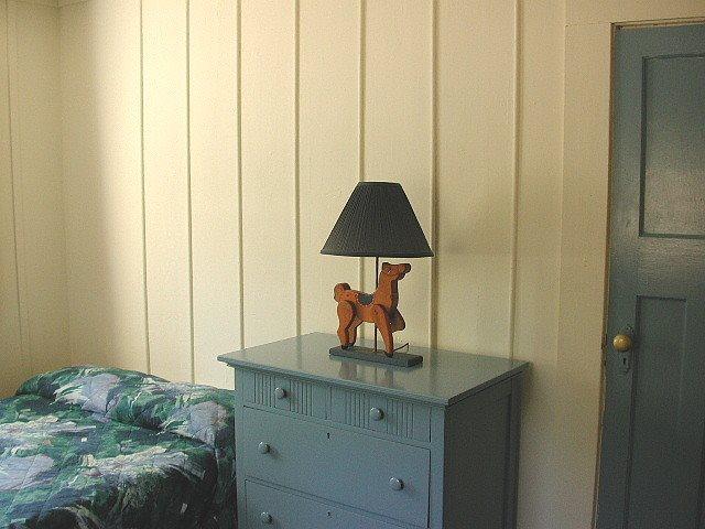 Cottage 5 Bedroom 2.jpg