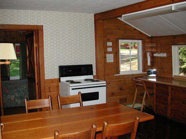 Cottage 5 Kitchen.jpg
