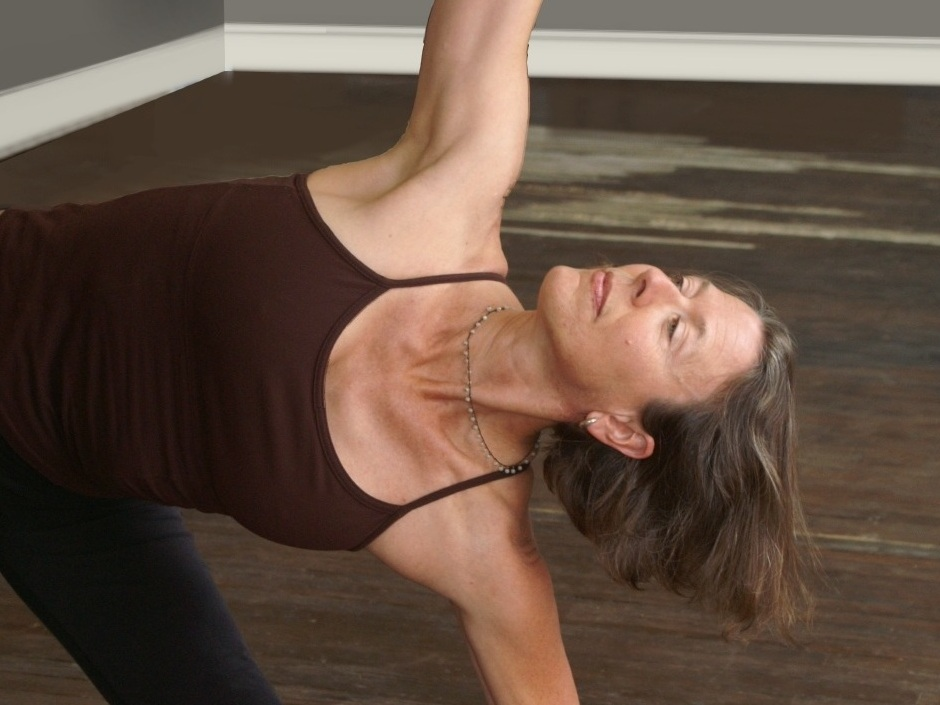 NANCY ALLEN  is an alignment based yoga teacher with a wealth of experience. She provides clear direction and individual attention to students so they can discover their own capacity for alignment and joy in every pose.