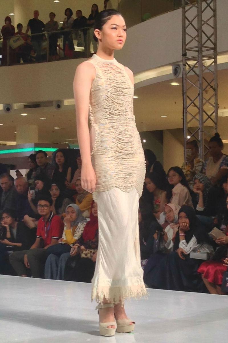 vaishali s at jakarta fashion week 2019 02-02.jpg