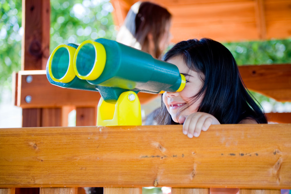 78-outdoor-play-samantha-binoculars.jpg