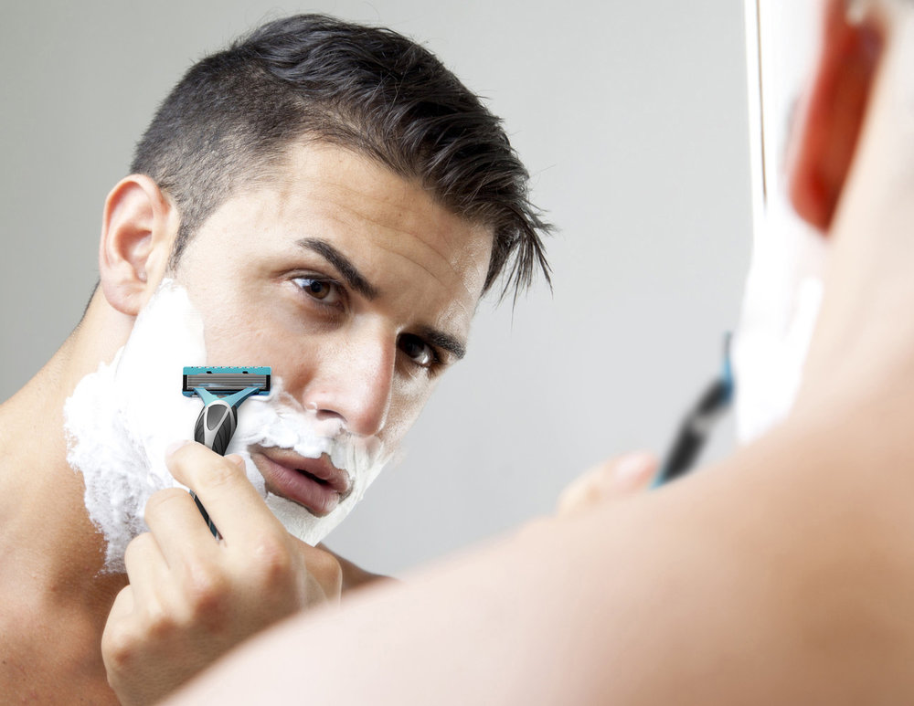 Dude Shavin with my razor.jpg