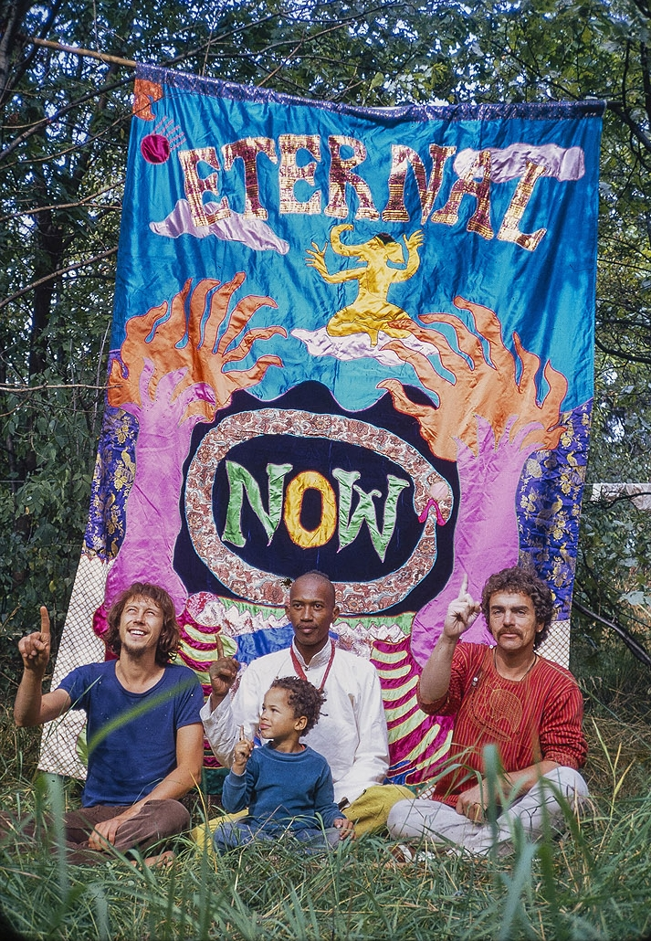 Bengt Berger, Don Cherry, Eagle Eye Cherry, and Christer Bothen in front of Moki Cherry's Eternal Now (photo Bengt Berger)