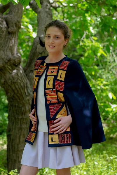 Taita_Leila_Palestinian_Modern_Embroidery_Galilee_3-min_grande.jpg