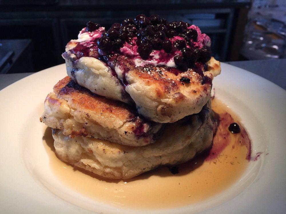 Best Damn Blueberry Pancakes...