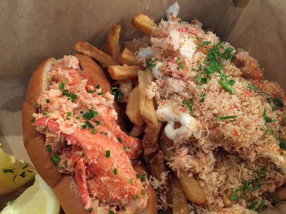 Lobster Roll With Side of Frisco Fries