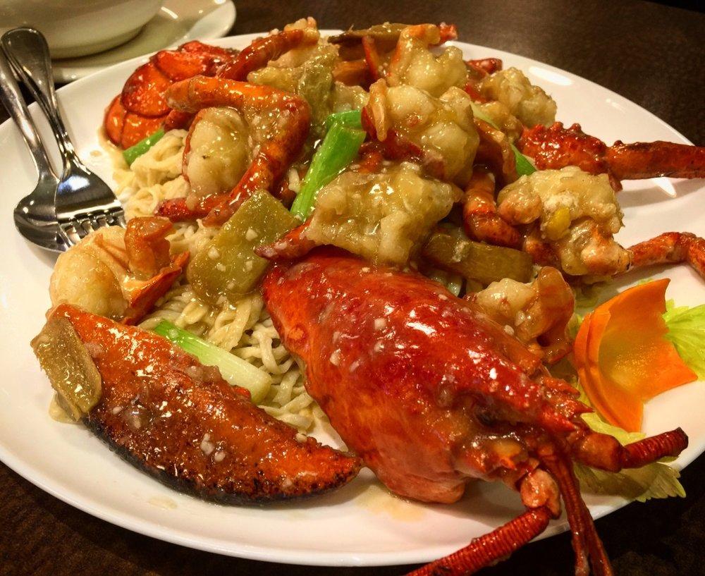 Lobster E-Fu Noodles